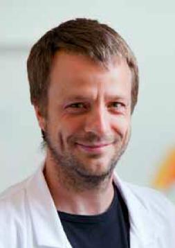 Laurent Servais © AFM-Téléthon / Christophe Hargoues